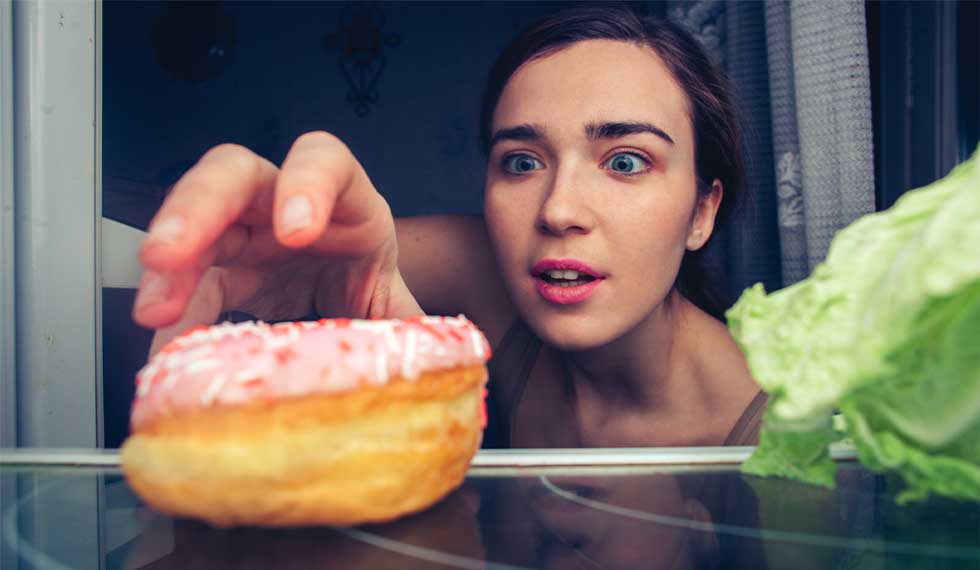 ドーナッツを見るだけで興奮。ついつい食べ物に手が伸びてしまうのはなぜ。